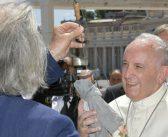 """I pupi siciliani da Papa Francesco: """"il pupo è un simbolo di pace"""""""