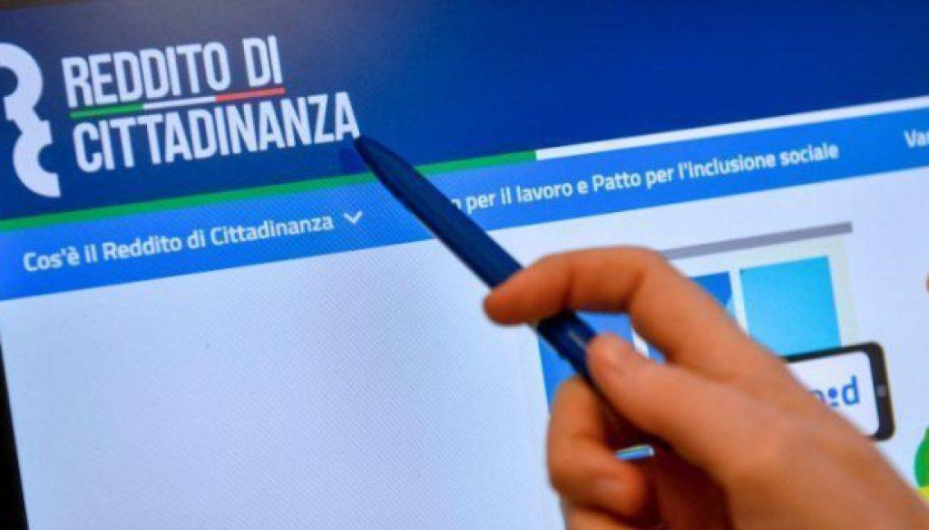 Reddito-di-Cittadinanza-735x400