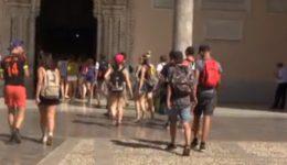 turisti-cattedrale-palermo-625x350-1024x585